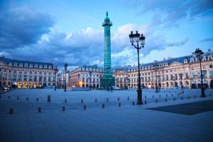La place Vendôme, à Paris est le centre de la haute joaillerie.